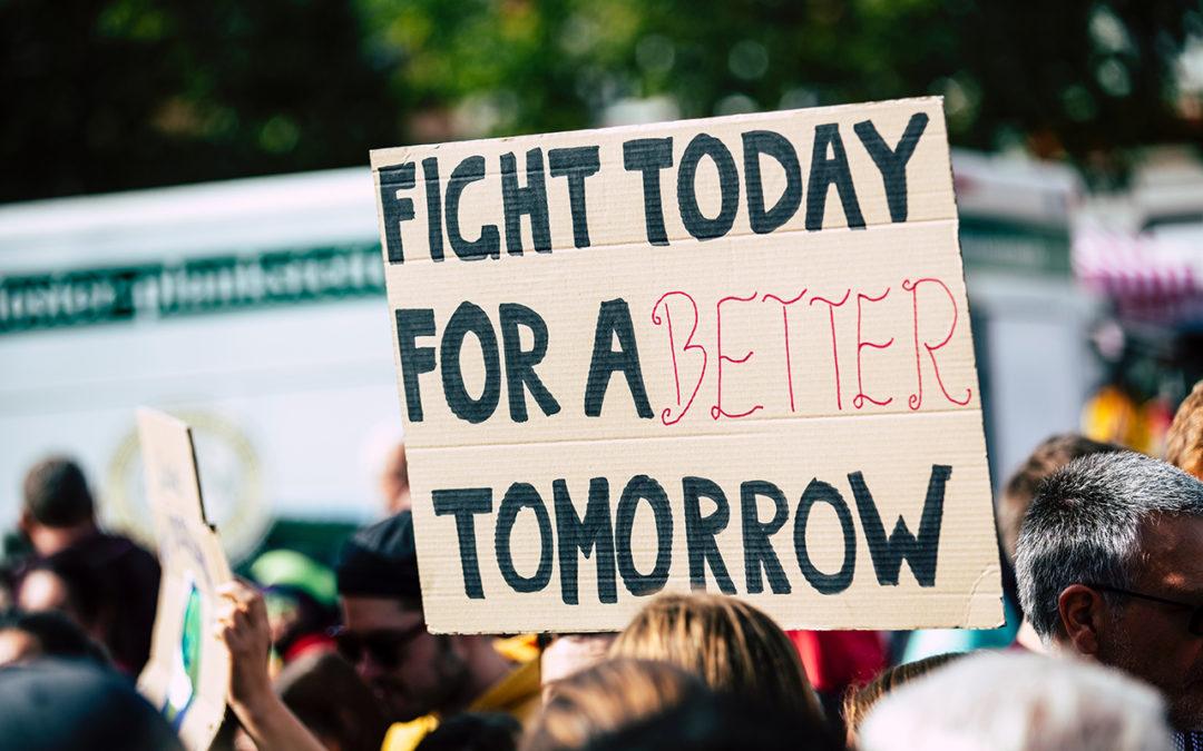 Queres contribuir para um mundo mais justo, digno e sustentável? Junta-te à nossa bolsa de ativistas!